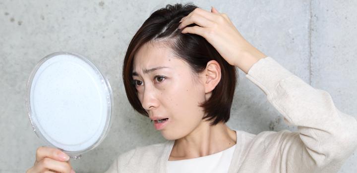 産後の抜け毛、出産経験女性の多くが経験